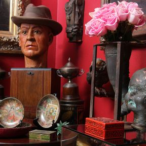 Mantiques Turn Classic Collectibles Into a Cultural Craze