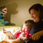 Reading bedtime stories with Sean-bear/ktbuffy/CC BY-NC-ND 2.0