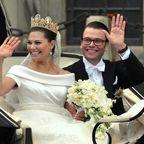 Wedding ofVictoria, Crown Princess of Sweden, andDaniel Westling; Cortège atSlottsbacken Holger Motzkau 2010, Wikipedia/Wikimedia Commons (cc-by-sa-3.0)