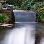 https://pixabay.com/en/waterfall-flow-pond-japanese-garden-1938110/