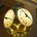 Grand Central Station clock by George Hodan, publicdomainpictures, CC0