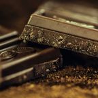 https://pixabay.com/en/chocolate-dark-coffee-confiserie-183543/