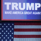 By Gage Skidmore from Peoria, AZ, United States of America (Donald Trump sign) [CC BY-SA 2.0 (http://creativecommons.org/licenses/by-sa/2.0)], via Wikimedia Commons