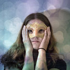 "Flickr, """"Hide Your Face"" by Alexandra Bellink, CC by 2.0"