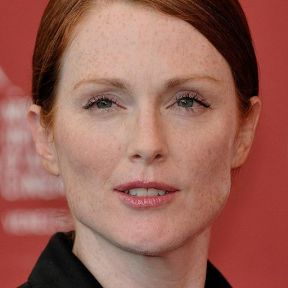 """Julianne Moore 66ème Festival de Venise (Mostra) color crop"" by Nicolas Genin - https://www.flickr.com/photos/22785954@N08/3911166551. Licensed under CC BY-SA 2.0 via Wikimedia Commons - http://commons.wikimedia.org/wiki/File:Julianne_Moore_66%C3%A8me_Festival_de_Venise_(Mostra)_color_crop.JPG#mediaviewer/File:Julianne_Moore_66%C3%A8me_Festival_de_Venise_(Mostra)_color_crop.JPG"