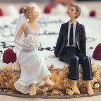 Food-Couple-Sweet-... / Pexels