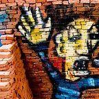https://commons.wikimedia.org/wiki/File%3AVigo_graffiti.jpg
